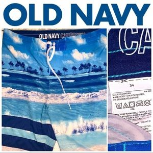 """Size 34"""" Old Navy Blue Graphic Board Short"""